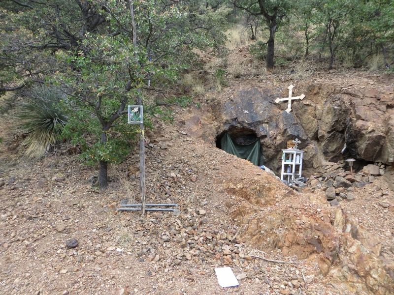 We also passed this old mine opening that looked like someone was living there. I wasn't about to pull open the curtain to find out.