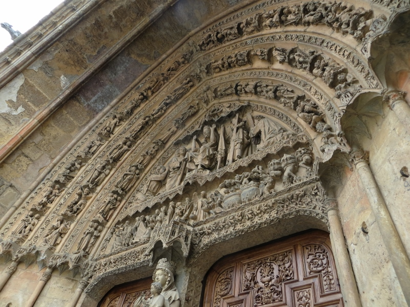 Some of the stonework at the entrance of the Leon cathedral.