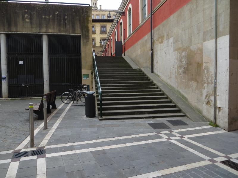 Pamplona was loaded with small stairways connecting various streets and plazas.