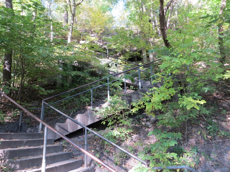 As you can see the stairway zigzags along the side of the bluff to reach the bottom. The stairway has 194 steps and is very popular with runners and people out for a walk.