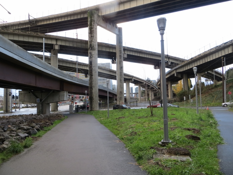 The sidewalk at the end of the stairway led us to this paved bike and pedestrian path. According to the city's website, Portland has 319 miles of bike paths and routes.